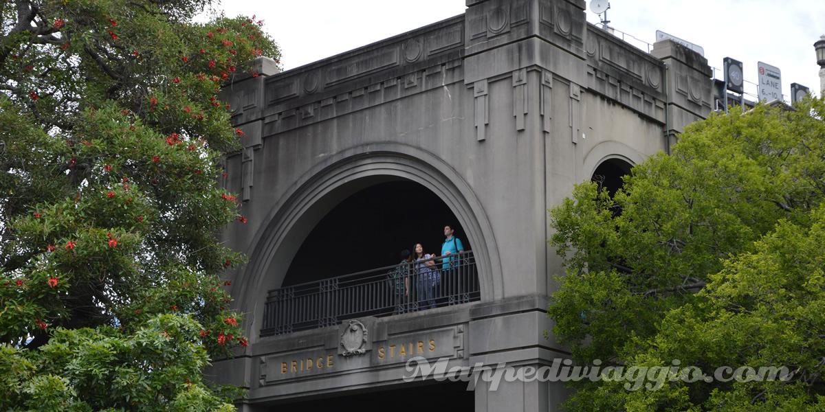 bridge-stairs-sydney-centro
