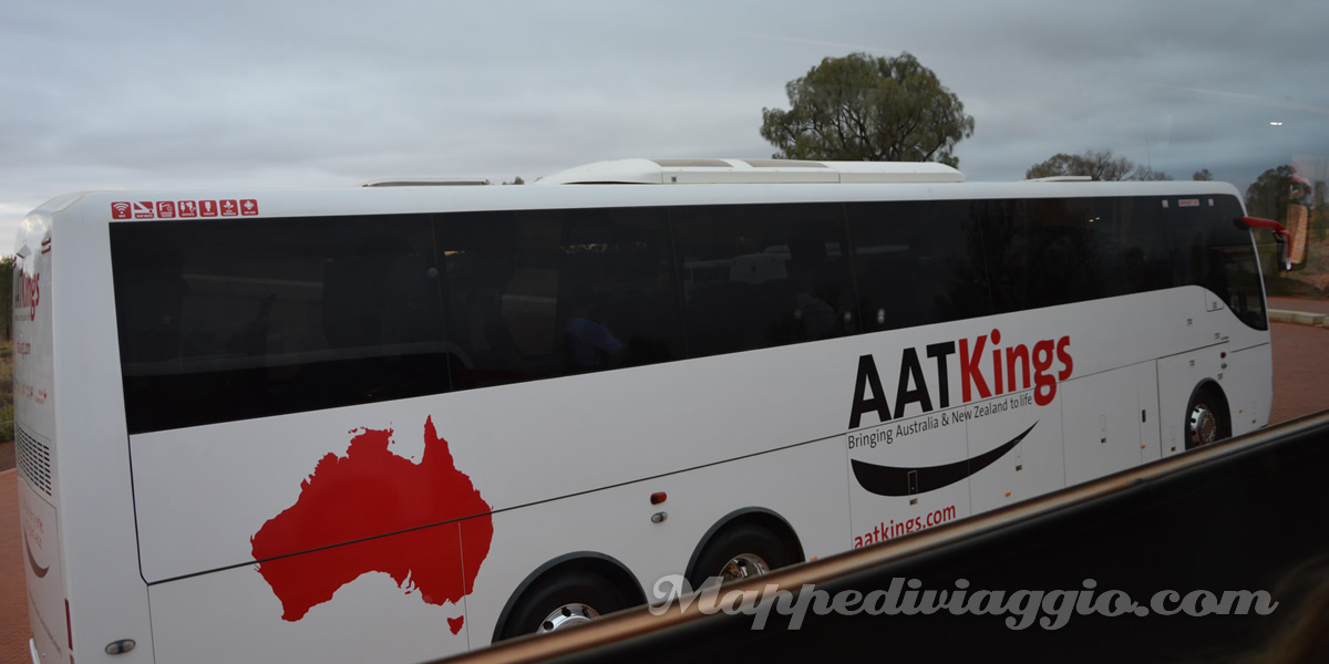 bus-aat-kings-tour-uluru