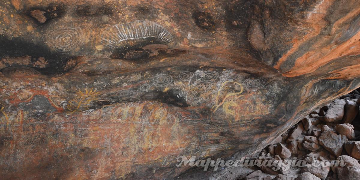 kulpi-mutitjulu-dipinti-aborigeni-uluru