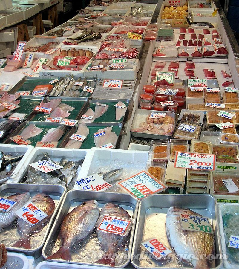 negozio-pesce-tokyo